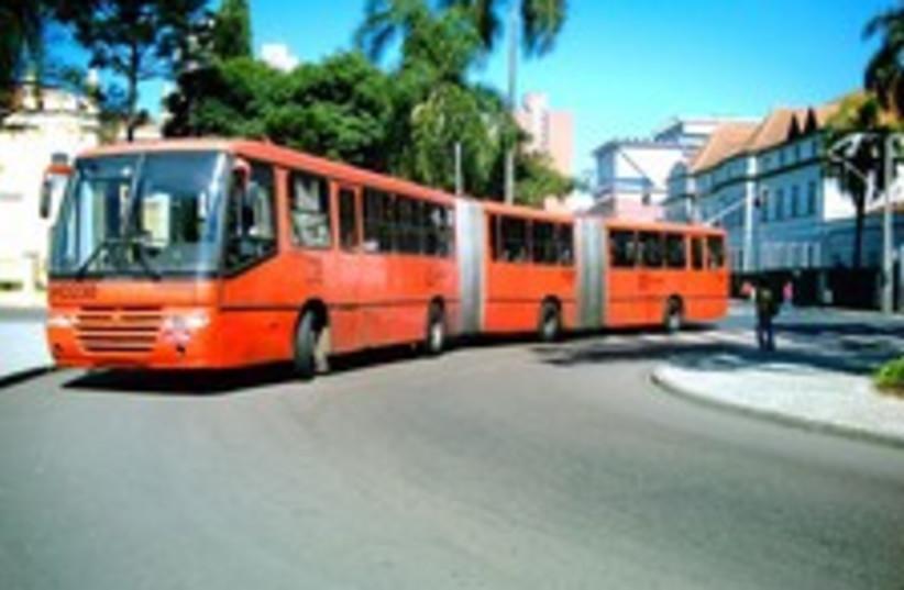 big bus curitiba 224 88 (photo credit: Courtesy: Luan Lenon)