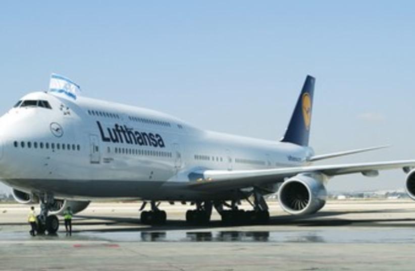 Boeing airplane 747-8(370) (photo credit: Yochai Mossi- Courtesy Lufthansa)