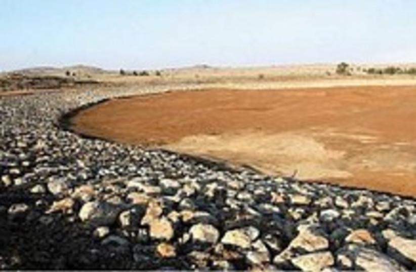 kuneitra reservoir 224 (photo credit: Ariel Jerozolimski)