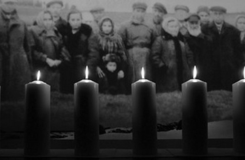 Holocaust candles 521 (photo credit: REUTERS)