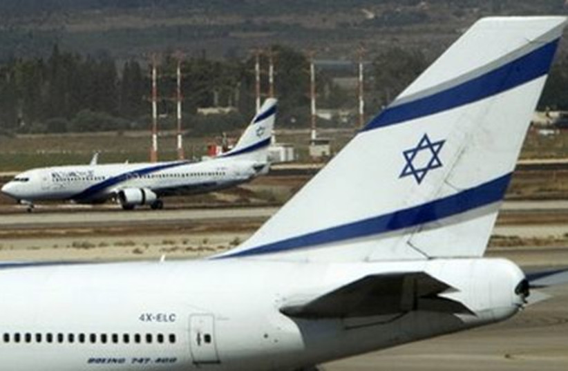 El Al airplanes (photo credit: Ronen Zvulun / Reuters)