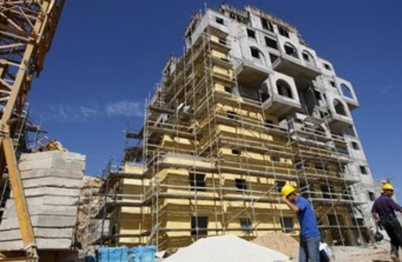 Modiin Illit construction 370 (photo credit: REUTERS/Gil Cohen Magen)