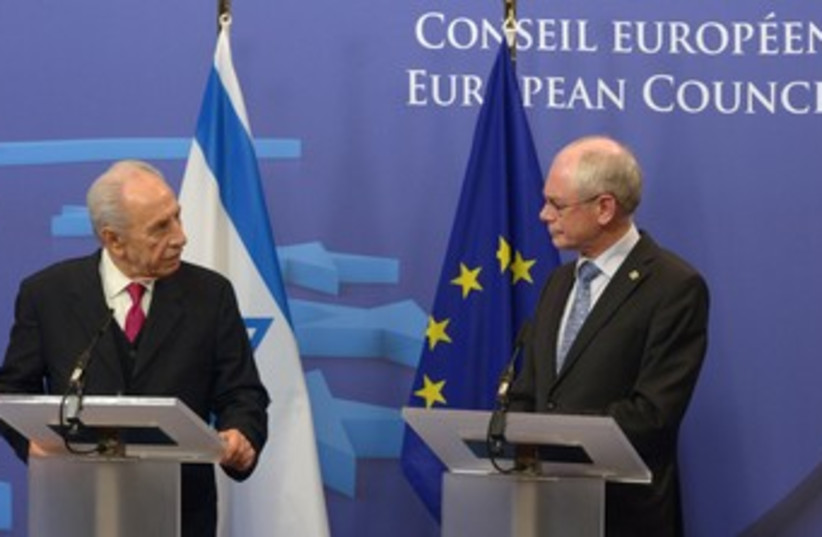Peres and EU 370 (photo credit: Courtesy)