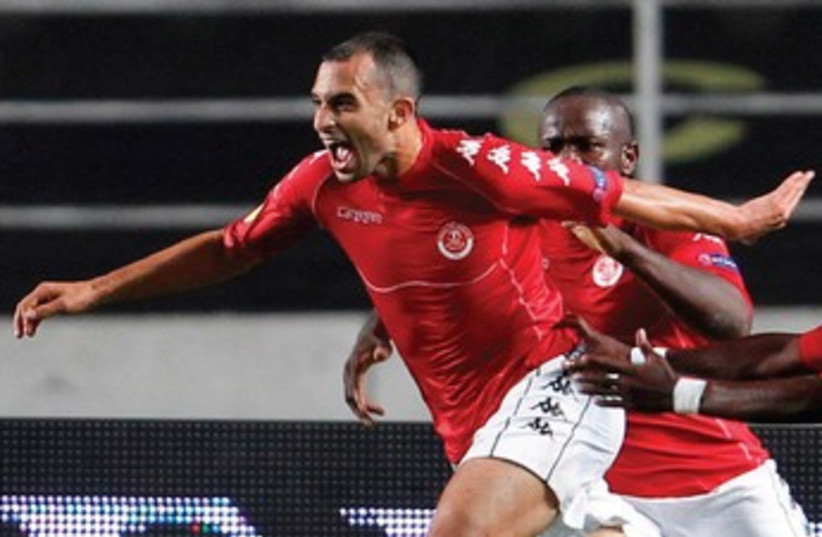Hapoel Tel Aviv vs PFC Beroe 370 (photo credit: Reuters and Maccabi Haifa website)