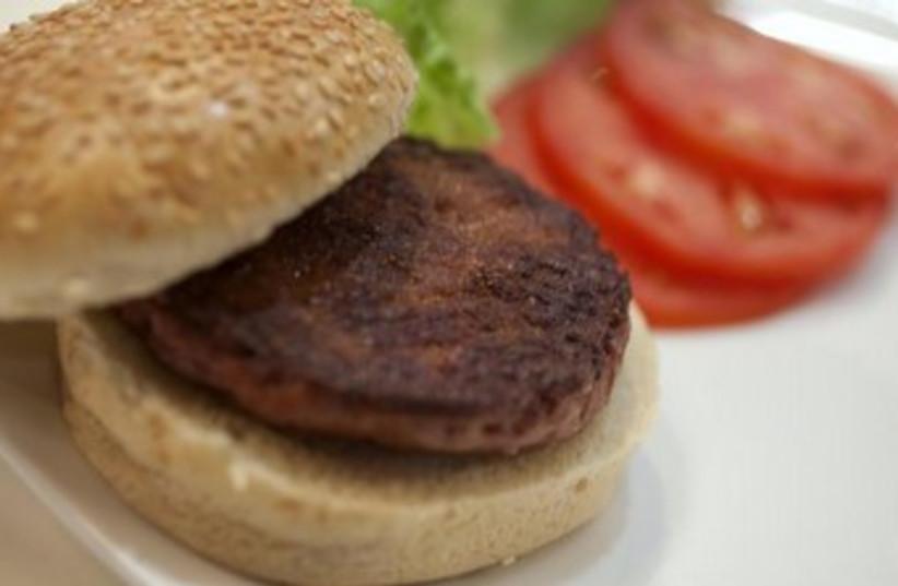 Lab grown burger 370 (photo credit: REUTERS/David Parry/pool)