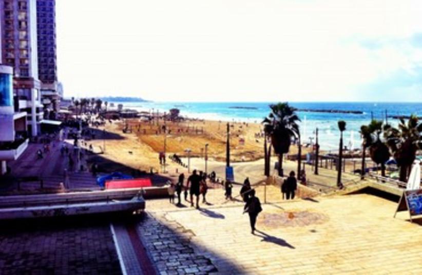 Tel Aviv beach  (photo credit: Judith Goldstein)