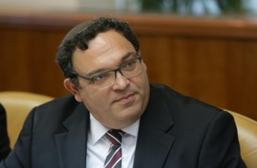 Shai Piron at the weekly cabinet meeting 370 (photo credit: Mark Neiman/GPO)