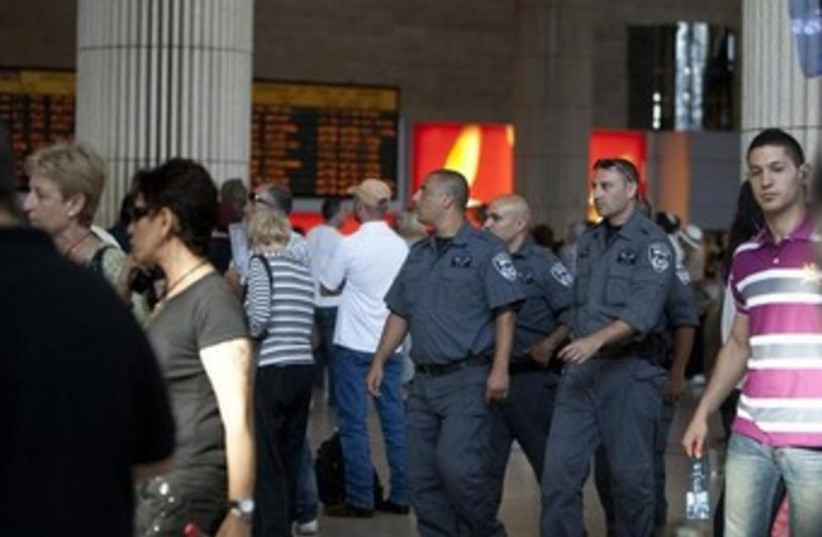 Israel Police at Ben-Gurion Airport 370 (photo credit: REUTERS)