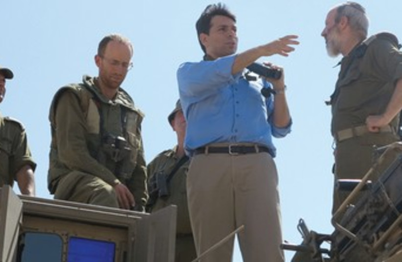 DANNY DANON attends a drill for IDF reservists370 (photo credit: Ohad Neibrus)
