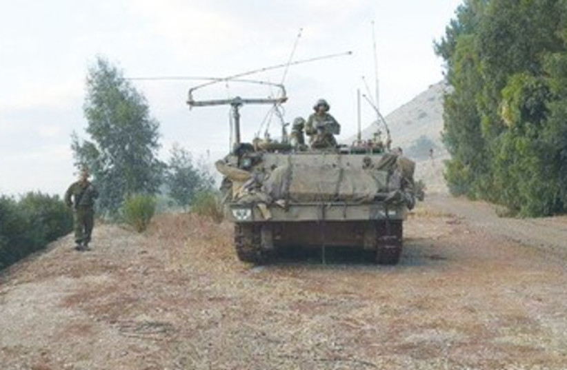 IDF drill Golan Heights 370 (photo credit: IDF Spokesman)