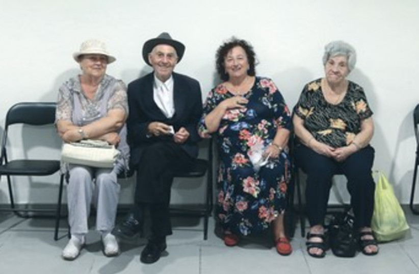 HOLOCAUST SURVIVORS living in Jerusalem gather 370 (photo credit: Marc Israel Sellem/The Jerusalem Post)