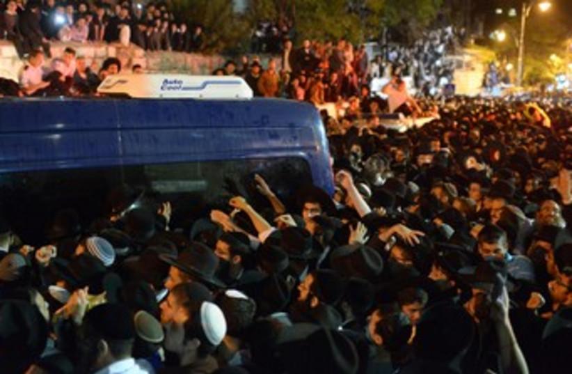 Rabbi Ovadia Yosef funeral 370 (photo credit: Koby Gideon/GPO)