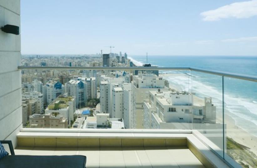 Netanya coastline from apartment 521 (photo credit: Uriel Messa)