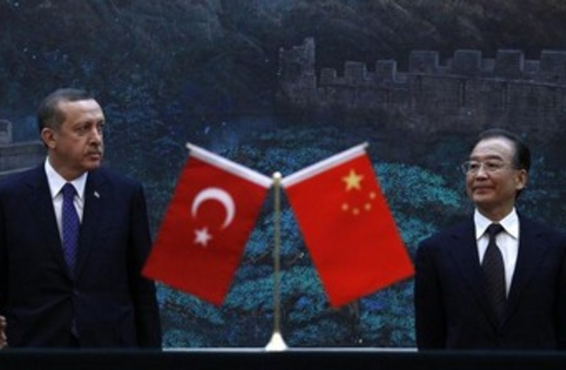 Turkey's Erdogan and Chinese PM Wen Jiabao 370 (photo credit: REUTERS/David Gray)