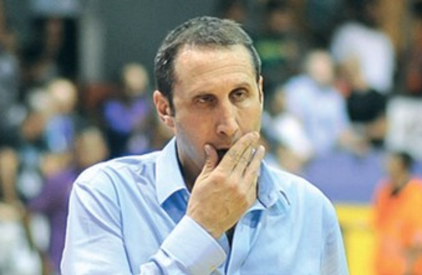 Maccabi Tel Aviv coach David Blatt 370 (photo credit: Asaf Kliger)