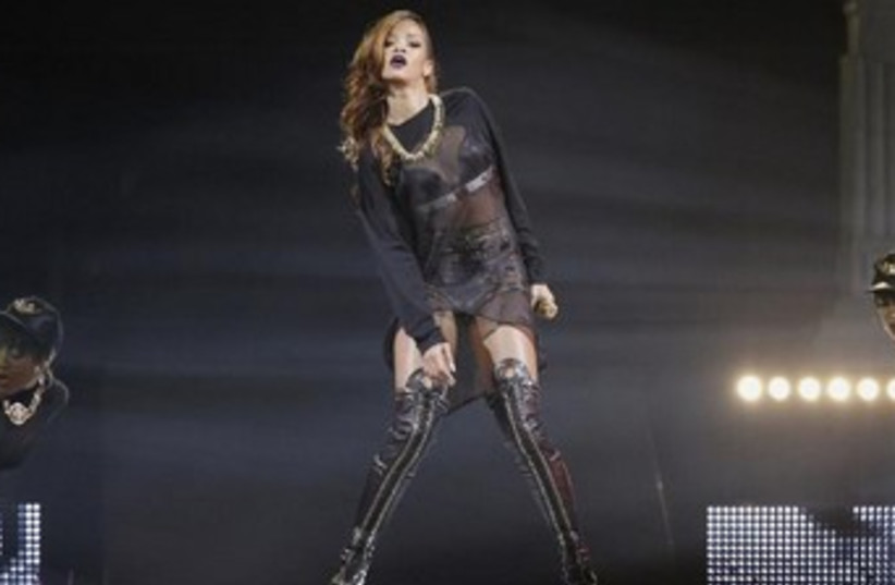 Singer Rihanna performs at the Staples Center in Los Angeles (photo credit: REUTERS/Mario Anzuoni )
