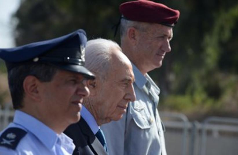 Shimon Peres with Benny Gantz and Amir Eshel 370 (photo credit: Koby Gideon/GPO)
