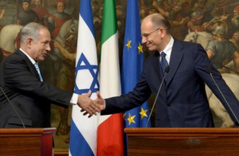 Netanyahu with Italian PM Enrico Letta 370 (photo credit: Avi Ohayon/GPO)