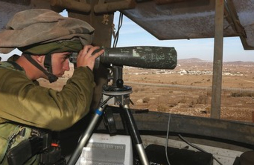 IDF soldier Golan 370 (photo credit: Marc Israel Sellem/The Jerusalem Post)