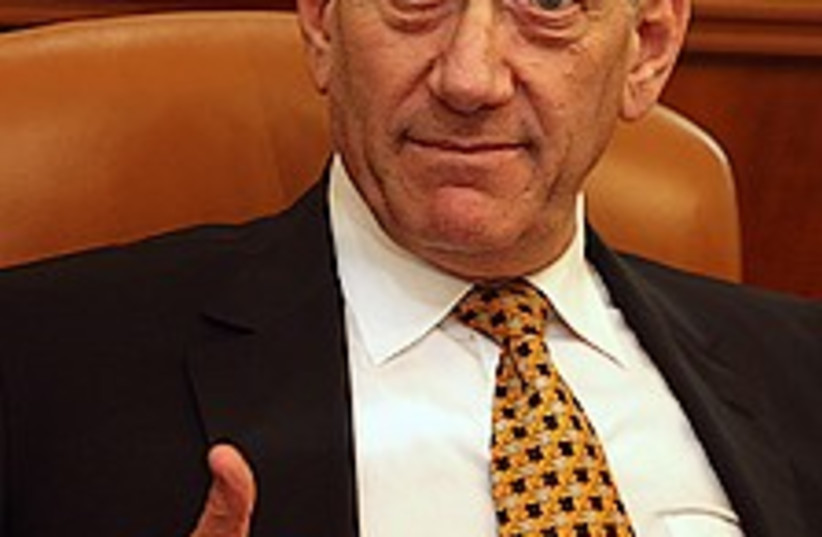olmert thumbs-up 224.88 (photo credit: AP)