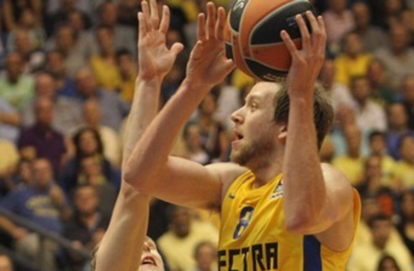 NEWCOMER JOE INGLES 370 (photo credit: Adi Avishai)
