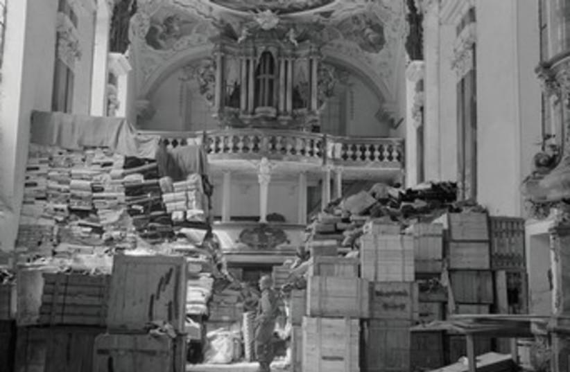 stolen books nazi 370 (photo credit: (US National Archives/Reuters))