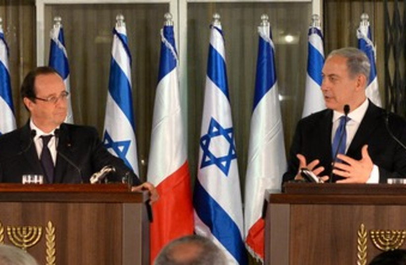 Netanyahu and Hollande press conference 370 (photo credit: Koby Gideon/GPO)