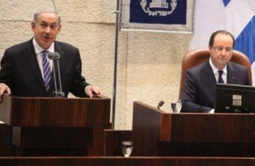 Netanyahu and Hollande at Knesset 370 (photo credit: Knesset Spokesman's Office)
