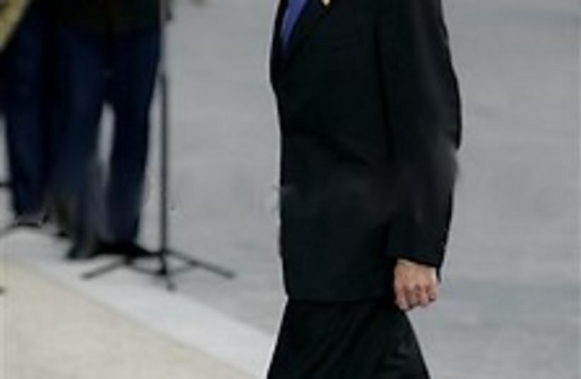 olmert paris 224.88 (photo credit: AP)