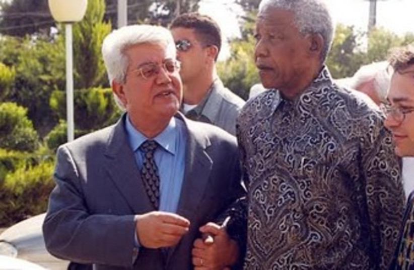 NELSON MANDELA, David Levy at Foreign Ministry in J'lem 370  (photo credit: Gil Hadani/Allpix/Jerusalem Post Archive)