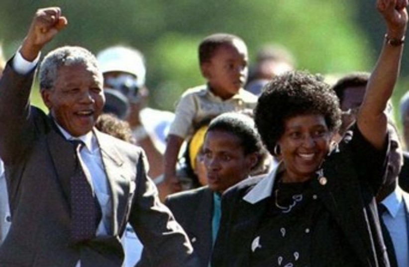 Nelson Mandela and his wife Winnie after his prison release (photo credit: REUTERS)