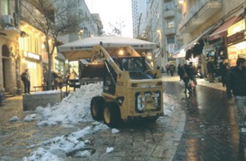 Jerusalem snow plow cleanup 370 (photo credit: Daniel K. Eisenbud)