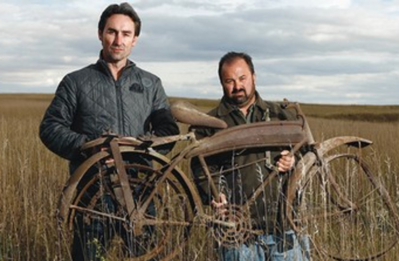 Mike Wolf (L) and Frank Fritz of 'American Pickers' (photo credit: collider.com)