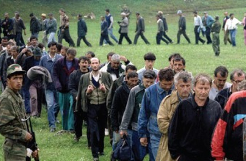 BOSNIAN CROAT soldiers taken as prisoners 370 (photo credit: Reuters)