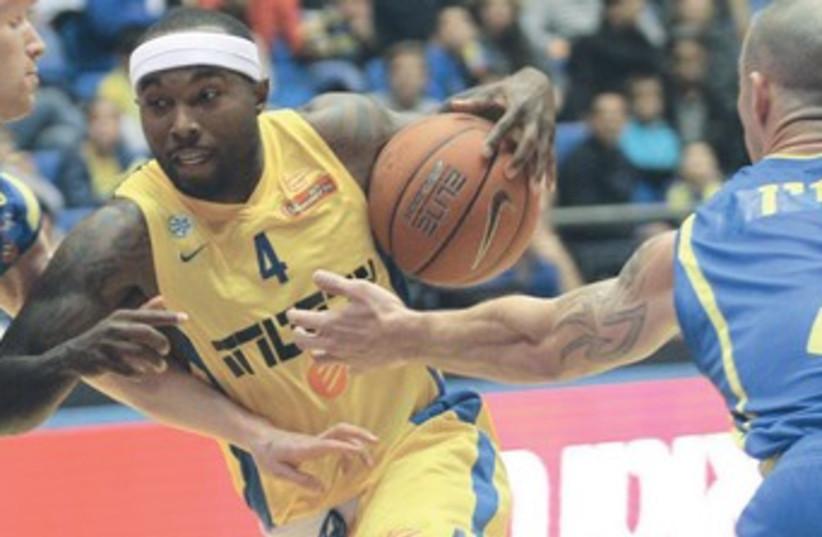 Maccabi Tel Aviv's Tyrese Rice 370 (photo credit: Adi Avishai)