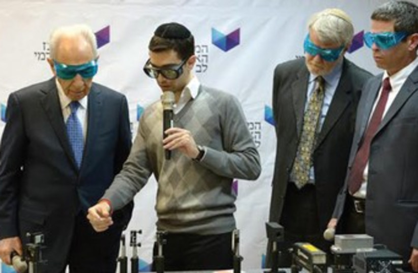 President Peres at Jerusalem College of Technology (photo credit: Mark Neiman/GPO)