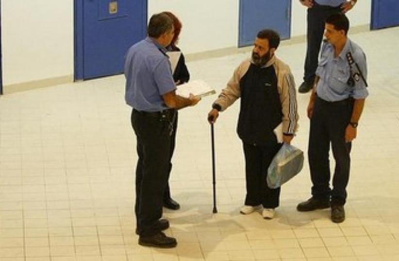 Mustafa Dirani in prison (photo credit: REUTERS/Pool/Yoav Lemmer)