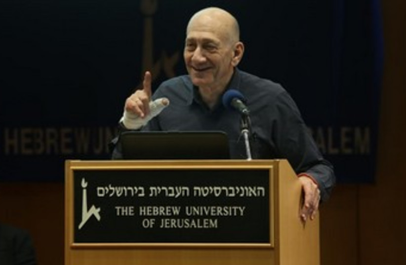 Ehud Olmert speaking at the Hebrew University, January 6, 2014. (photo credit: Sason Tiram)