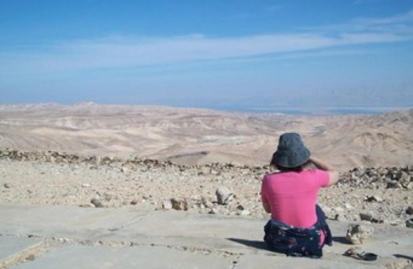 Hiking the Dead Sea (photo credit: YITZCHAK MISKIN)