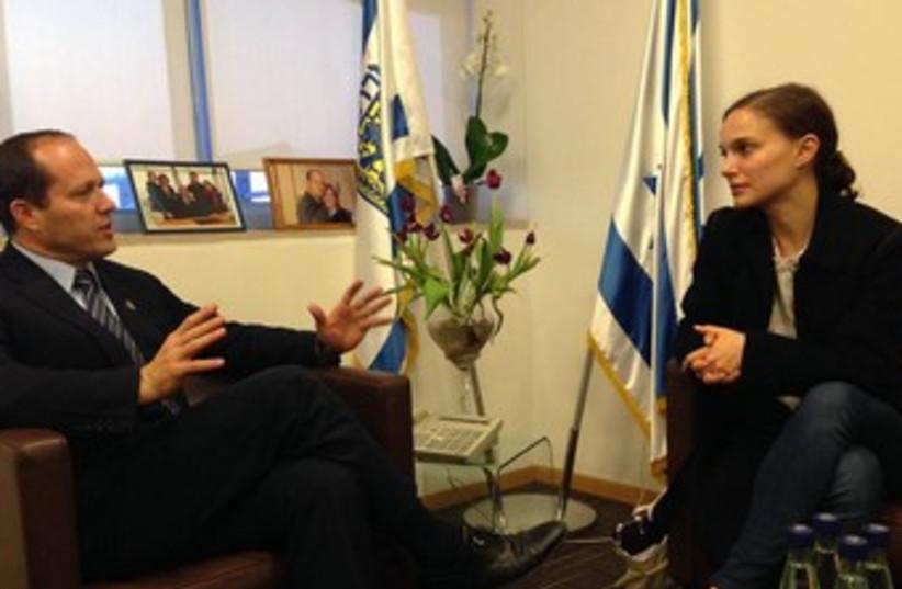 JERUSALEM MAYOR Nir Barkat speaks with Oscar-winning actress Natalie Portman in his Jerusalem office.  (photo credit: Courtesy)