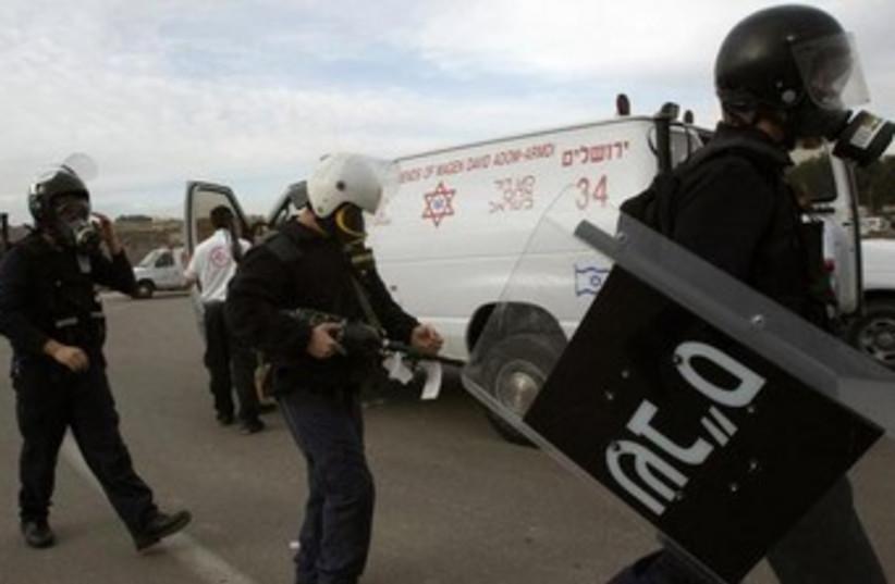 Israel Prison Service guards  (photo credit: REUTERS)