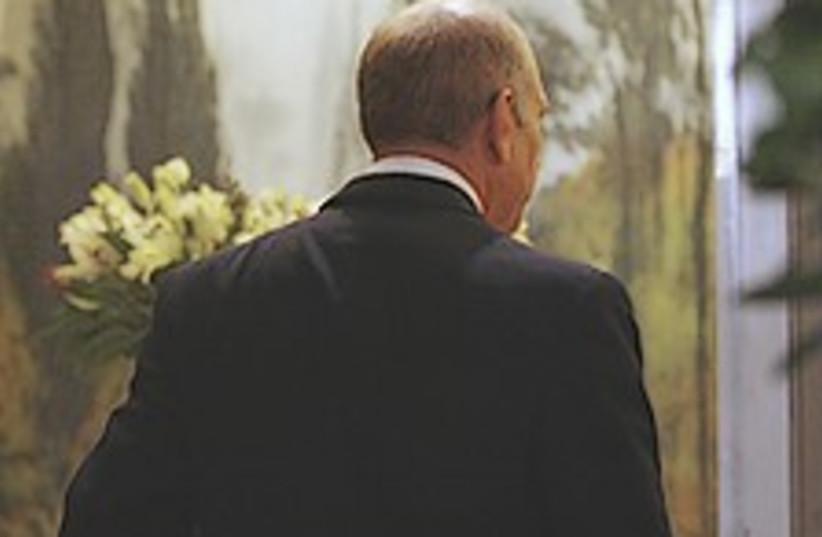 Olmert im going home  (photo credit: AP)