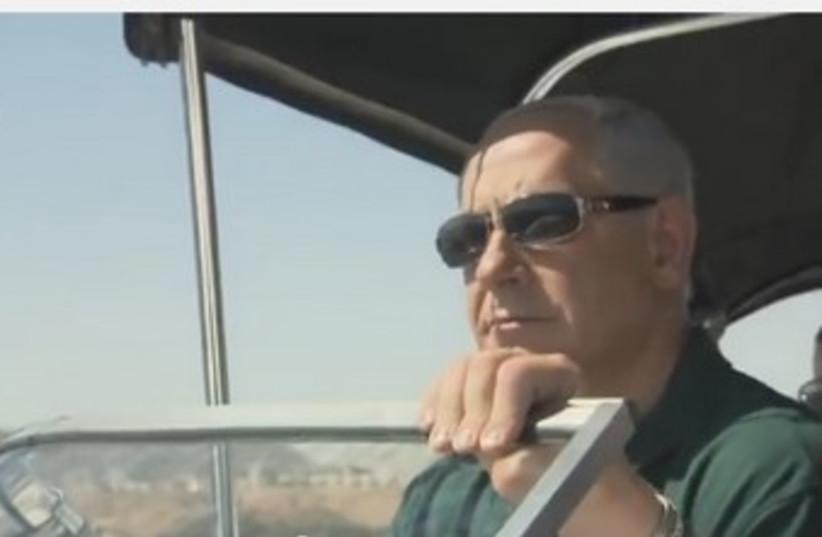 Netanyahu acting as tour guide. (photo credit: YOUTUBE SCREENSHOT)