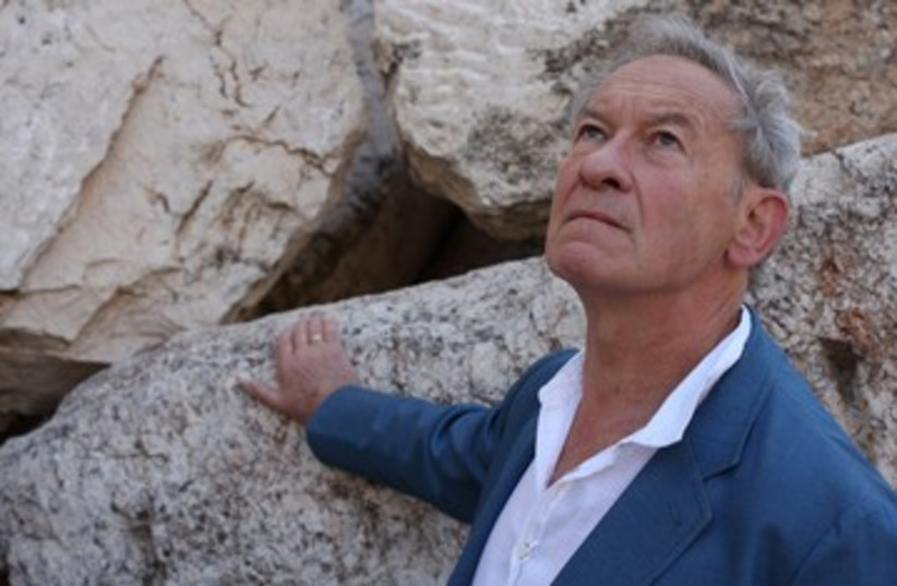 """Simon Schama in his documentary """"The Story of the Jews"""" visits the site of the Temple Mount (photo credit: COURTESY OF TIM KIRBY © OXFORD FILM & TELEVISION 2012/ JTA)"""
