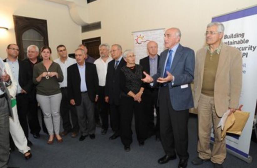 Prague Forum of Israelis and Palestinians (photo credit: AJIK - NEGEV INSTITUTE)