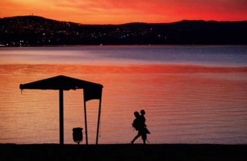 Sunset at the Kinneret (photo credit: REUTERS)