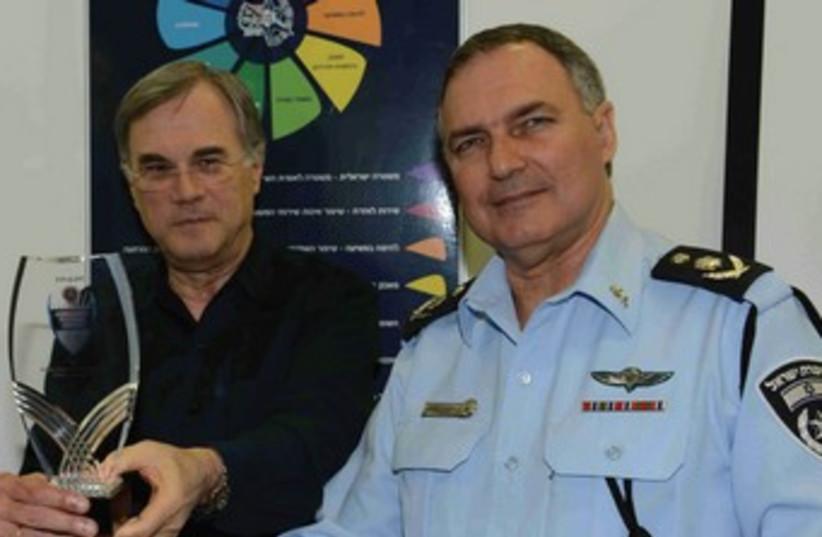 Robert Friedman and Police chief Danino (photo credit: ISRAEL POLICE)
