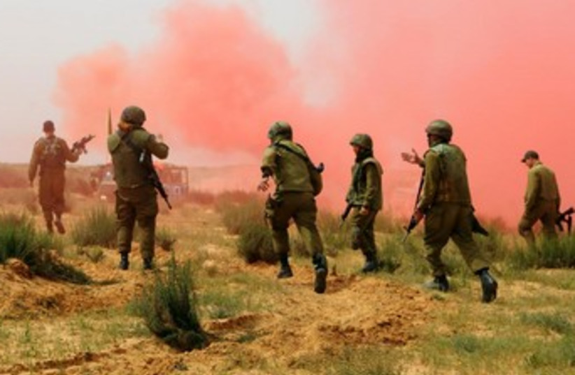 IDF combat situation drill (photo credit: IDF SPOKESMAN'S OFFICE)