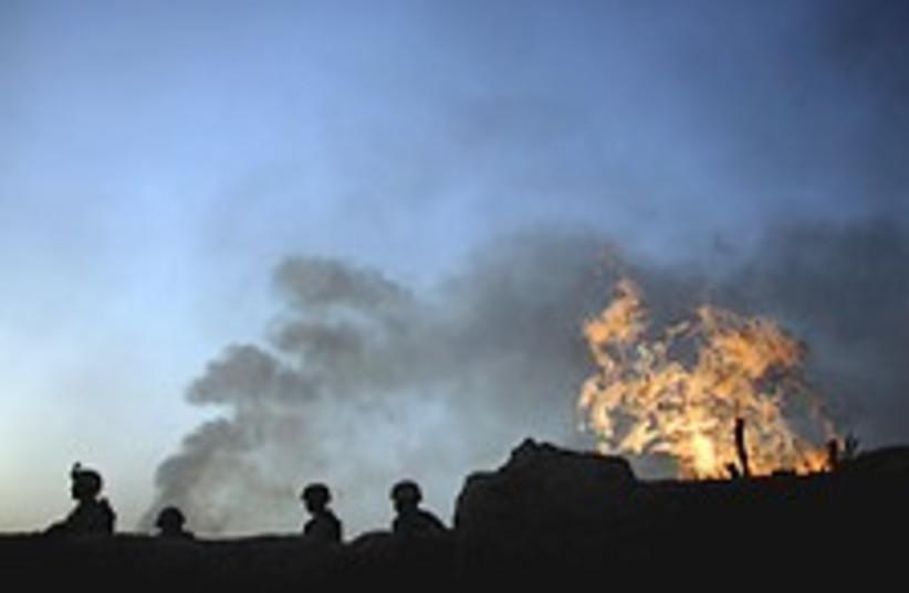 Iraq fire 224.88 (photo credit: AP)