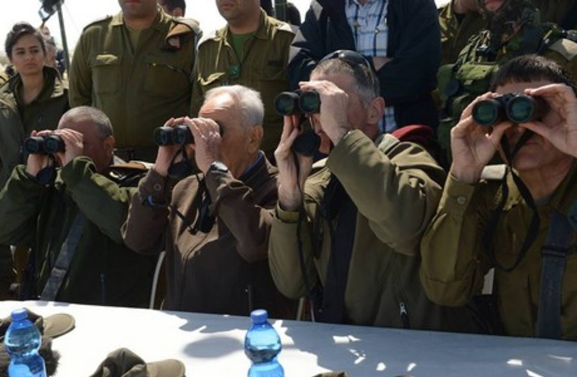 President Peres with soldiers on northern borde (photo credit: GPO)